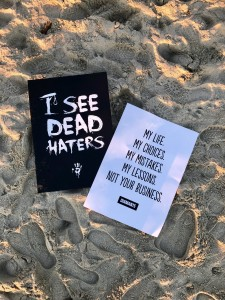 Plakat I SEE DEAD HATERS 50x70cm - Czarny