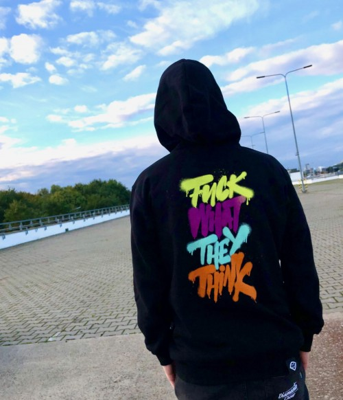 'Fuck What They Think' - Hoodie Unisex - Czarna